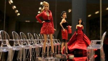 Dolls in a fashion parade.