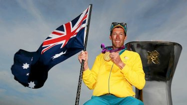 Sailing gold medallist Malcolm Page will carry the flag for Australia at the London Olympics closing ceremony.