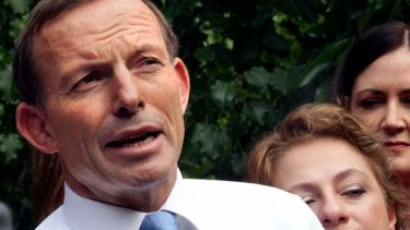Opposition Leader Tony Abbott says the federal government should fund vital road infrastructure ahead of commuter rail projects.