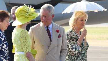 Governor-General Quentin Bryce greets  the royal couple.