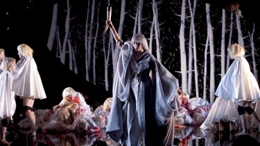 "Karen O performs ""psycho opera"" <em>Stop The Virgens</em>."