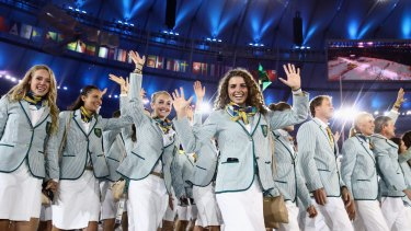 Jessica Fox (C) and other members of the Australia team take part in the Opening Ceremony of the Rio 2016 Olympic Games at Maracana Stadium on August 5, 2016 in Rio de Janeiro, Brazil.