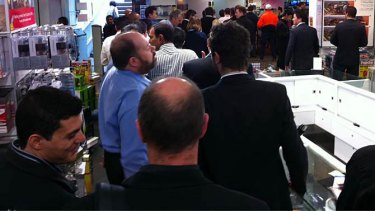 """The Harvey Norman store at Martin Place was packed. Photo: <a href=""""http://twitpic.com/69so44/"""">Derek Jenkins</a>"""
