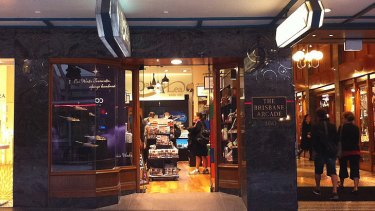 The eldest of the Lea brothers, Maurice and his wife Irene – originally from Sydney – opened the first of the family's Queensland stores in 1967 at the entrance to the Brisbane Arcade.