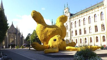 A little more fluff ... Hofman's imposing Big Yellow Rabbit in Orebro, Sweden.