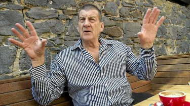 Former Victorian premier Jeff Kennett says he bluntly warned Cardinal George Pell in the 90s to resolve allegations of child sexual abuse.