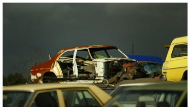 A loophole has made it easier to steal older cars, now worth three times as much as spare parts.