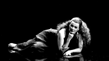 Eilene Hannan as Poppea in <i>L'Incoronazione di Poppea</i>, in 1993.