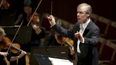 Chief Conductor and Artistic Director David Robertson.
