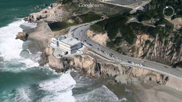 A three-dimensional view of the Cliff House in San Francisco on Google Earth.