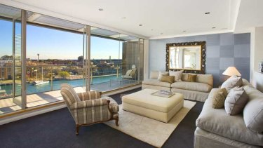 The 15th floor penthouse at Circular Quay which, at $4.8 million, was the most expensive apartment sold in the week it was bought in 2006.