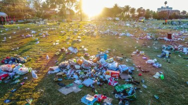 The clean-up at St Kilda beach is expected to cost a lot in both time and money.