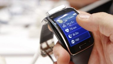 Samsung's Gear S may lose out while consumers await Apple's smartwatch.