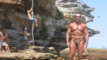 Fitness fanatics ... Bondi bodybuilder Dimitri Maskovich, along with workout buddies, will attempt to break a rope-climbing world record at Ben Buckler Point.