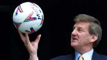 Jeff Kennett says he 'backed off' a World Cup bid after receiving entreaties from the Sydney Olympic bid campign.