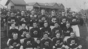George Challis and his Carlton teammates.