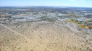 The Paroo River usually dries out into a sparse floodplain, hundreds of kilometres north-west of the Darling River.