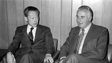 Prime ministers Lee Kuan Yew and Gough Whitlam in 1975.
