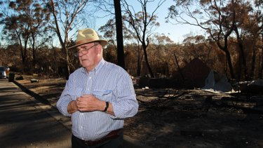 At least a dozen householders have started clearing their own bushfire-damaged homes, Blue Mountains Bushfire Recovery Coordinator Phil Koperberg says.