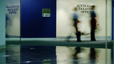 The Tax Office will open hundreds of reviews into rich Australians and small companies with offshore accounts in tax havens or low-tax jurisdictions.