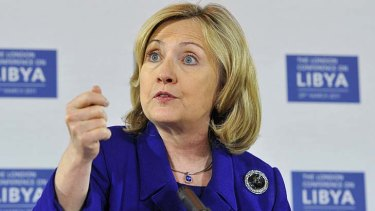 US Secretary of State Hillary Clinton says countries can transfer weapons to Libyan rebels if they choose to do so.