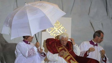A thunderstorm interrupted the Pope's speech in Madrid.