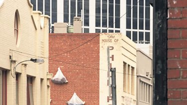 A hotel will replace the Phillips Shirts building in Little Lonsdale Street.