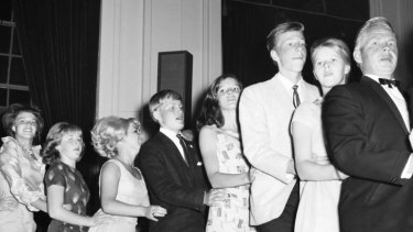 Centenary - Albert Hall conga line - kick up your heels