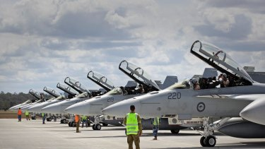 A Federal Parliamentary Committee will investigate the contamination of land and water around defence force bases from fire-fighting foam chemicals