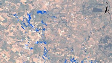 Satellite monitoring of floods showing Narromine at 07:03 AEDT on 5/12/2010.