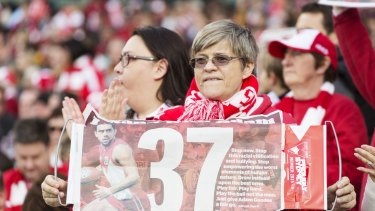 Sydney Swans fans supporting Adam Goodes, who is not playing this round.