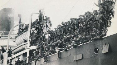 A century of Middle Eastern allure: Australian troops embark for Egypt in 1915.