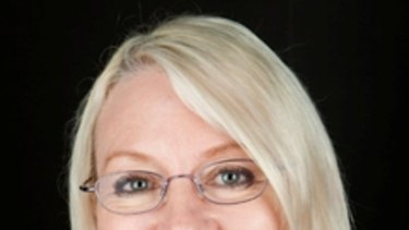 Labor MP Leanne Donaldson is offering prizes for the best selfies that include her.