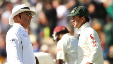 Ricky Ponting speaksto  Mark Benson after Dwayne Bravo was given out LBW. The decision was referred to the third umpire and over-ruled.