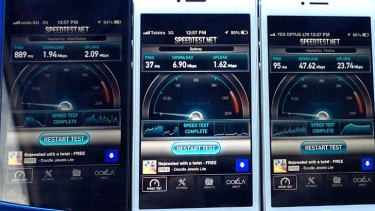 Three iPhone 5s conduct a speed test in Gladesvile.