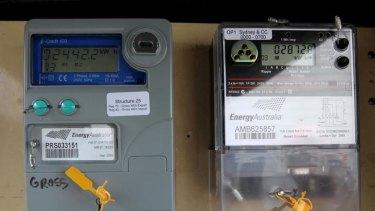 A normal meter (left) and smart meter.