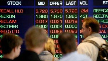 The Australian sharemarket lifted on banks.