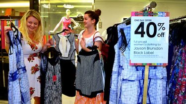 Analysts say a merger between Myer and David Jones wouldn't deliver the savings Myer claimed.