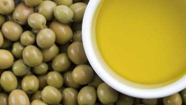 Australian olive oil producers are keen to push the freshness of their product, but only a minority puts a harvest date on its bottles.