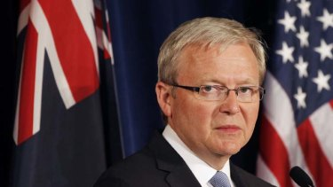 Going back ... Australian Foreign Minister Kevin Rudd is tempted at the prospect of vindication but not sure he wants the responsibility of trying to rescue a dying government.