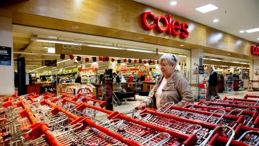 Prices at Coles fell by 1.3 per cent in the first quarter of fiscal 2016, driving growth in volume, transaction and basket size for the supermarket chain