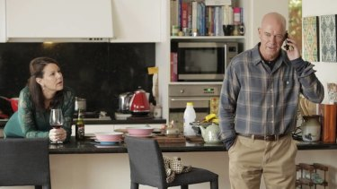 Julia Morris with Gary Sweet in <i>House Husbands</i>.