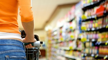 Woolworths has been urged to dump spot promotions in favour of deeper price cuts on everyday lines.
