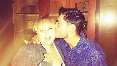 Sydney James dating Zac dating gootit hämmästyttävä rotu