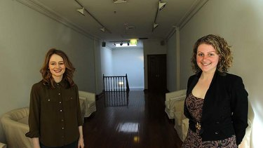 From this .... Miranda Otto and Elle Formica before the gallery was transformed.