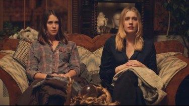 Lola Kirke (Tracy) and Greta Gerwig (Brooke) in <i>Mistress America.</i>