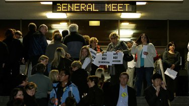 The scene outside last night's tumultuous meeting of the Health Services Union at Dallas Brooks Hall in East Melbourne.