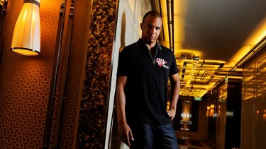 Poker player Phil Ivey has filed a lawsuit alleging Full Tilt Poker owes gamblers more than $US150 million.