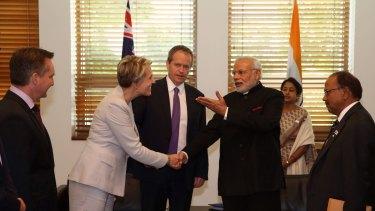 Tanya Plibersek and the Opposition Leader, Bill Shorten, greet the Indian Prime Minister, Narendra Modi.