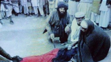 Top Pakistan judge to probe woman's flogging